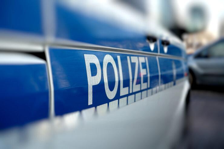 Großkontrolle: Polizei stellt Drogen und Waffen sicher