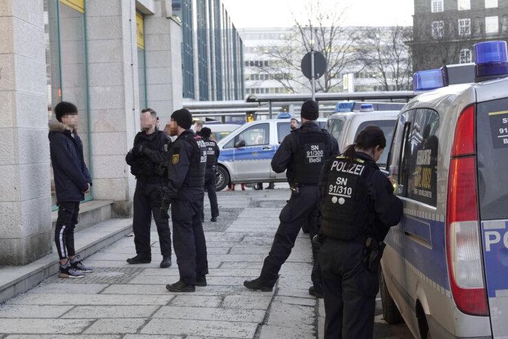 Drei Anzeigen wegen Drogenbesitz nach Komplexkontrolle in Chemnitz