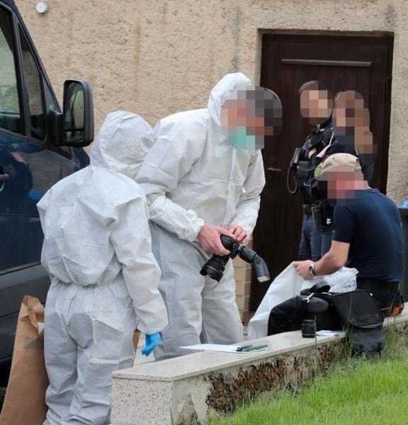 27-Jährige tot aufgefunden - Tatverdächtiger flüchtete