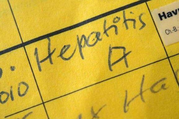 Hepatitis A an Chemnitzer Grundschule: Kind hat sich möglicherweise im Ausland angesteckt