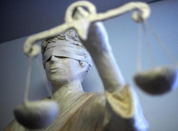 Widerstand Gegen Polizisten Urteile Gegen Zwei Männer Gefällt