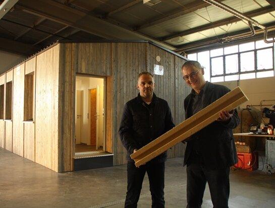 selbstbauhaus f r fl chtlinge wird vorgestellt freie presse fl ha. Black Bedroom Furniture Sets. Home Design Ideas