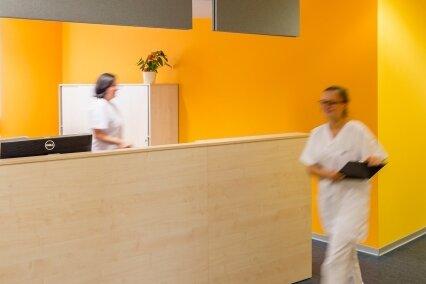 Kinderärztin und Hausarzt bringen Entlastung | Freie