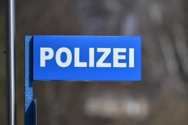 Chemnitz: 18-Jährige am Rosenhof ausgeraubt
