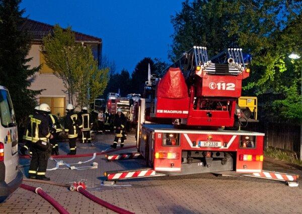brand in reichenbacher wohnheim sorgt f r gro einsatz der feuerwehr freie presse. Black Bedroom Furniture Sets. Home Design Ideas