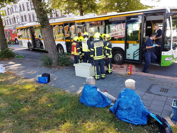 21 verletzte bei schwerem bus unfall in chemnitz freie presse. Black Bedroom Furniture Sets. Home Design Ideas