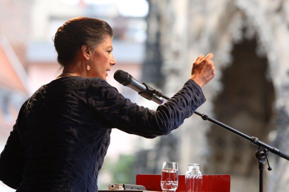 Sahra Wagenknecht leistet auf dem Domhof Schützenhilfe   Freie Presse - Zwickau