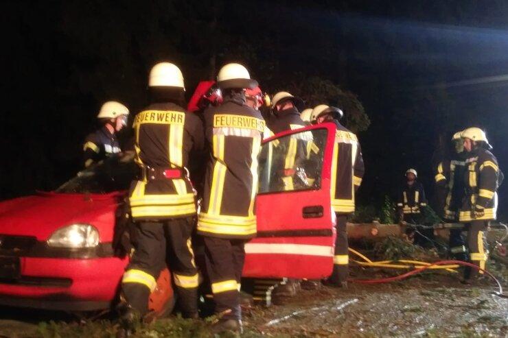 Feuerwehren bereiten sich mit Übung auf Sturmeinsätze vor
